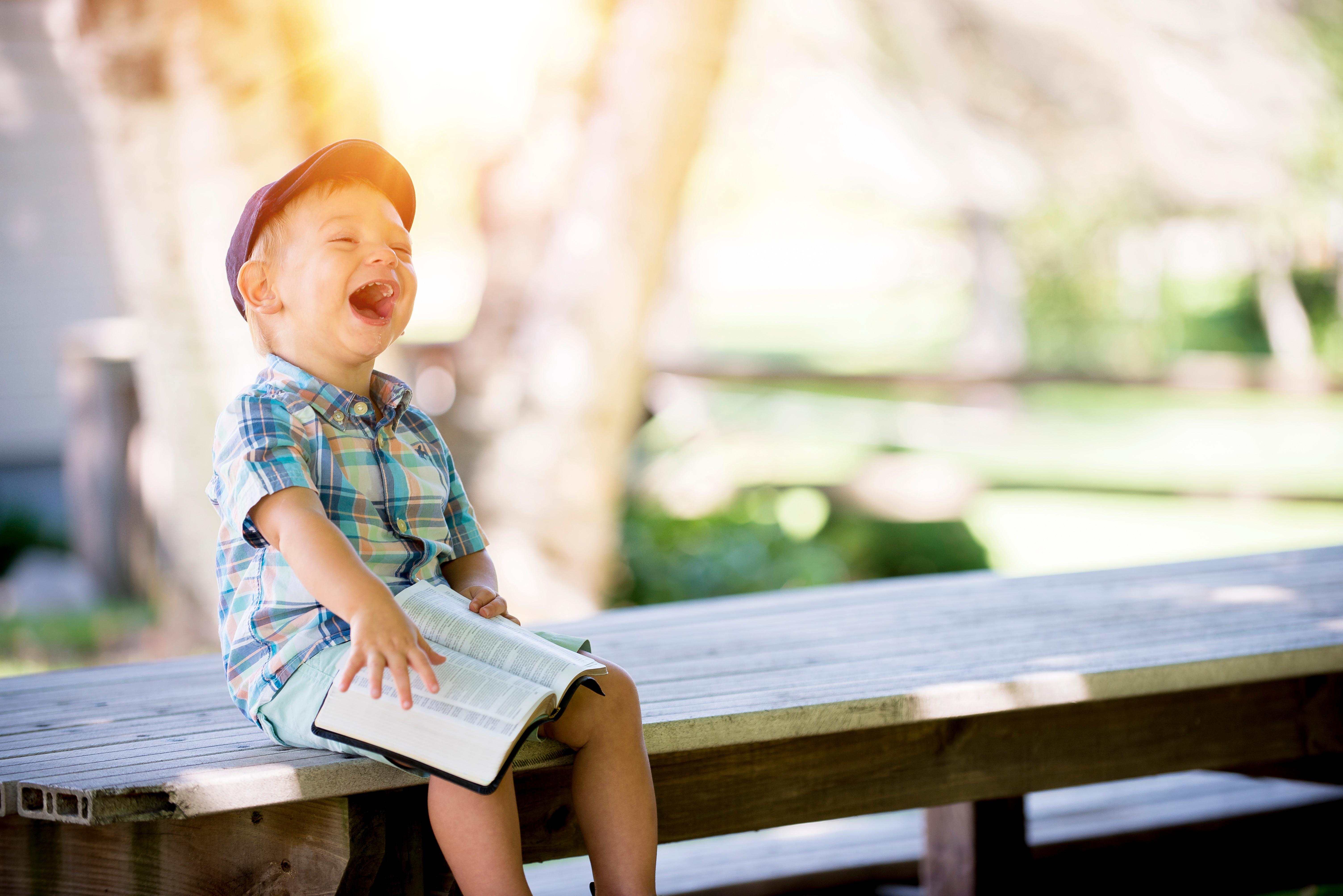 Kiusaako lukihäiriö lastasi? Tue lukutaitoa näillä vinkeillä!